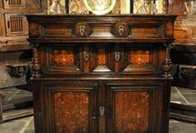 Antique Oak Furniture and Oak Antiques / Bring in the richness of the past to your urban setting with this late 15th century English Elizabethan oak and inlaid standing cupboard. This rare and unusual cupboard showcases excellent patina, comes in a rich deep colour and is in flawless condition.