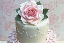 Bake a Cake / by Aminath Ahmed