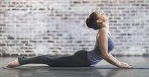 Alles rund um Yoga / Yoga trägt nicht nur zur mentalen Entspannung bei, sondern insbesondere auch zur körperlichen Fitness. Hier zeigen wir Ihnen Yoga-Übungen und Tipps für Anfänger und Fortgeschrittene
