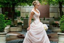 ! WEDDING BLISS / Your inspirations for the perfect wedding! Dress, venue, photography, cake...  Happy Pinning!