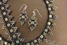 Korálky náušnice a náhrdelníky
