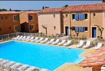 Les Baux de Provence - Le Mas des Arènes / Au coeur de la Provence, le Mas des Arènes vous accueille dans des appartements de 4 à 8 personnes avec piscine extérieure, solarium.