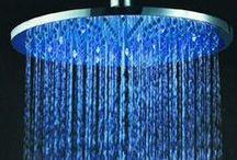 LED kúpeľnové príslušenstvo / Stačí tak malo a tvoja kúpelňa bude hneď živšia a modernejšia! Svetlo LED diód je generované prúdom vody, nie sú potrebné žiadne batérie ani elektrické napájanie. Pozri si celú ponuku na linku: http://www.ejha.sk/led-kupelnove-prislusenstvo