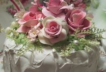 Scrumptious Cakes / A feast for the eyes and taste buds