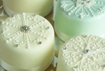 Pretty Cupcakes, Mini Cakes & Petit Fours / Dainty delectable delicacies