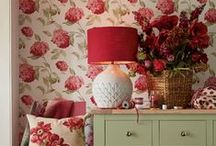Wallpaper & Wall Decor / Simple or elaborate, modern or vintage - wallpaper and wall art really create the mood!