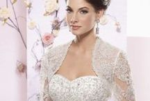 Wedding Dresses for a Castle Wedding / Wedding dresses that make your drool & daydream for an opulent Castle wedding.