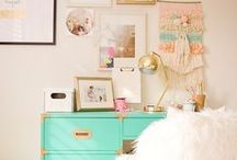 Stylish Girls Rooms / Inspiration for decorating a girl's bedroom.