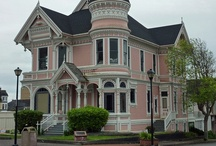 Homes with History / by Tammi Boudreau