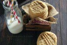 Cookies / by Jorge-Lisa Flores