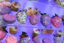 cupcakes & cookies / cupcakes cookies & toppers