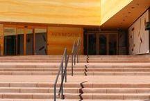 Porraskivet / Outdoor steps / Outdoor stairs / Kauniit, kestävät ja tukevat ulkoportaat voit rakentaa kätevästi porraskivillä! Helpoin ja kestävin tapa toteuttaa kiviportaat on käyttää joko betonisia tai graniittisia porraskiviä.