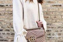 Designer Taschen für erfolgreiche Frauen / Bags and Outfits with bags. Designer Bags like Prada, Louis Vuitton, Miu Miu, Balenciaga, Furla, Michael Kors...