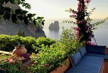 IM GARTEN / Garden partys, picknicks in the green, beautyful flowers and garden decoration. Gartenpartys, Picknicks im Grünen wunderschöne Blumen und Pflanzen und Dekoration für den Garten.
