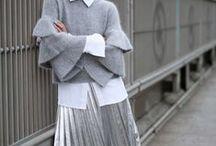 Klassische Mode für Karrierefrauen / Diese klassische Mode sollte jede Karrierefrau im Schrank haben. Ich finde, klassische Basics lassen sich wunderbar mit Trendteilen kombinieren. Mit einem klassischen Outfit machst du nie etwas falsch. Deshalb sammle ich die schönsten klassischen Outfits auf diesem Board. Die Outfits eigenen sich auch hervorragend als Büro Outfit und Business Outfit.