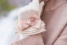 Outfit Ideen Winter / Hier sammle ich die kuscheligsten und wärmsten Winteroutfits, Ideen für Outfits und Kombinationen im Winter und alle Kleidungsstücke, die wir im Winter besonders gerne mögen. Die Outfits sollen vor allem warm halten und gut aussehen.