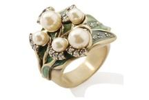 pearls, pearls, pearls x