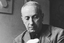Jean Hans Arp (1886-1966) / Jean Arp ou Hans Arp, né à Strasbourg le 16 septembre 1886 et mort à Bâle en Suisse le 7 juin 1966, est un peintre, sculpteur et poète allemand puis français. Cofondateur du mouvement Dada à Zurich en 1916, il fut proche ensuite du surréalisme. Il réalisa de nombreuses œuvres plastiques en étroite collaboration avec sa femme Sophie Taeuber.