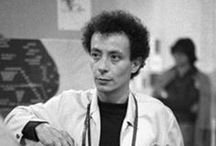 Paolo Scheggi (1940-1970) / Paolo Scheggi est un artiste italien né en 1940 à Florence et mort en 1971 à Rome.S'inspirant des travaux novateurs de son aîné Lucio Fontana et du spatialisme, Paolo Scheggi expérimente dès le début des années 1960 le monochrome et exprimera la volonté d'aller au-delà de la peinture