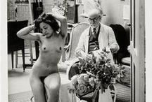 H. Matisse (1869-1954) Dessin / H. Matisse (1869-1954) est un peintre, dessinateur, graveur et sculpteur français. Figure du xxe siècle, son influence sur l'art de la seconde partie du siècle est considérable par l'utilisation de la simplification, de la stylisation, de la synthèse et de la couleur comme seul sujet de la peinture pour les nombreux peintres figuratifs ou abstraits qui se réclameront de lui. Il fut le chef de file du fauvisme. De Picasso à Warhol, tous ont été confrontés à sa gloire et son génie.
