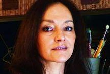 Corinne Halimi (1962- ) / Corinne Halimi née dans les Alpes, le 11 décembre 1962, Ses personnages voyagent à travers l'histoire, la fiction, loin de l'immédiateté, s'éloignent du présent, naviguent dans la vie privée sans paraître où la pudeur, la beauté nue se voilent, instillent l'optimisme, poussent à la joie de vivre, à être. Chacune de ses toiles raconte une histoire.