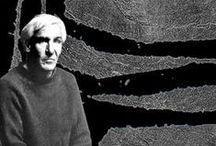 Raoul Ubac (1910-1985) / Raoul Ubac, né Rudolf Gustav Maria Ernst Ubach le 31 août 1910 selon ses différentes biographies à Malmedy ou à Cologne1 (Royaume de Prusse) et mort le 24 mars 1985 en France à Dieudonne (Oise), est un photographe, peintre, graveur et sculpteur belge appartenant à la Nouvelle École de Paris.