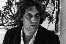 J.P. Riopelle (1923-2002) / Jean-Paul Riopelle - Canadien. Peintre, graveur et sculpteur.  Il rencontre le succès à Paris, puis revient au Québec en 1990. Il pratique la technique du all-over, qui consiste à éliminer toute forme de perspective dans le tableau au moyen d'éclats de peinture en couches multiples, technique emblématique de l'artiste américain Jackson Pollock. Par la suite, il se tourne vers la peinture au pochoir avec des bombes en aérosol. Il devient,l'un des plus grands peintres canadien.