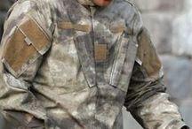 """TDU Revenger Uniform """"2014"""" / Vojenský strih TDU je veľmi podobný strihu ACU, ktorý v súčastnej dobe využívajú vojaci USA. Pozrite si, ako sme ho nafotili v rôznych maskovacích prevedeniach."""