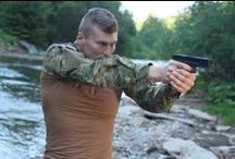 Combat Shirts / Taktické tričká alebo tkz. Combat Shirt sú v dnešnej dobe veľkou novinkou a doplnkom k uniformám rôznych armád sveta. Pozrite si ako sme ich nafotili my v ARMY ORIGINAL v niekoľkých známych maskáčových prevedeniach.