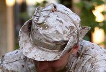 Pokrývky hlavy / Klobúky, kukly, šiltovky, čiapky sú rozhodne vhodným doplnkom k rôznym uniformám. V albume na Vás čakajú preto aj fotografie tohto produktu. :-)