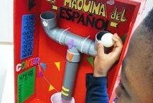 La máquina del Español / Máquina DIY con materiales reciclados multifunción: suma, cuenta y crea números, relaciona, ordena e inventa palabras, pega, despega, lanza, suena, une, enrosca y engancha el español en clase de Primaria :)   PD. Y es casi gratis de construir ;)    → → → VÍDEO: https://www.youtube.com/watch?v=AWs7yY7bDRk