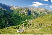 Italie - Hautes vallées piémontaises / Les Alpes italiennes, adossées au Queyras et fermées au sud par l'Ubaye, regorgent de vallées et de paysages rocheux qui ont su se préserver de l'agitation humaine