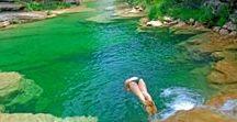 Espagne - Sierra de Guara / Le Parc naturel de la Sierra et des gorges de Guara (Aragon, Espagne) est constitué de canyons profonds, véritables entrailles dans le calcaire que traversent des rios aux eaux émeraudes. Les cascades et vasques sont propices pour des randonnées aquatiques