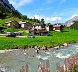 Savoie - Les Prioux (Vanoise) / Au pied du massif de la Vanoise, dans la vallée de Chavière, le hameau des Prioux est au coeur de l'alpage, rythmé par les troupeaux de vaches tarines qui y paissent, la fabrication du Beaufort et la vie rustique montagnarde, au bord du Doron de Chavière (Savoie)