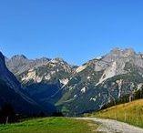 """Savoie - Balcons de la Vanoise / A partir de Pralognan (Savoie), """"Les Balcons de la Vanoise"""" est un circuit en solitaire qui côtoie des paysages d'alpage et l'univers minéral de la haute montagne, avant de cheminer en balcon à la même hauteur que les glaciers du massif de la Vanoise (août 2017)  http://photos.ankryan.net/album/73-france-les-balcons-de-la-vanoise-savoie"""