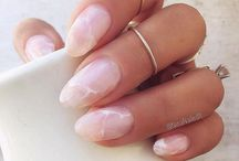 NAILS / A board for manis that I want to try or simply find fascinating ;)