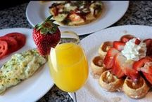 This is how we brunch! / Every day at La Baguette Bistro