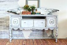 Allison Griffith for Heirloom Traditions Paint