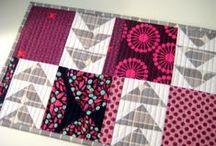 Keittiö ompeluita - Kitchen sewing projects / Patalappuja, pöytäliinoja, mukinalusia yms.