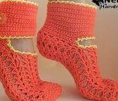 ВЯЗАНАЯ ОБУВЬ.Тапочки, носочки, следки. / Knitted shoes, Slippers, socks, a deal, booties