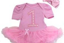 Baby/Peuter Verjaardags Jurken - Dottig.com / De leukste Baby en Peuter jurken tegen betaalbare prijzen! Vanaf newborn t/m 18 maanden verkrijgbaar. Ook leuk als kraamkado, babyshower, fotoshoot, verjaardag etc.