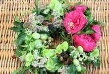 TUCKSHOP funerals / Natural, biodegradable tributes to show that you care.