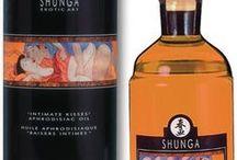 Bougies / Huiles de massage / Huiles de massage parfumées  Découvrez les nouvelles huiles de massage de chez Shunga, une bougie d'huile de massage ou de l'huile de massage comestible au chocolat... http://www.my-sexshop.fr/huiles-de-massage-2/