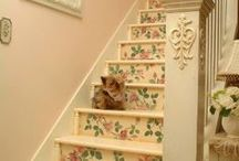 Pretty Stairs and Staircases / Gorgeous statement stairs for home decor inspiration.  Sparklesoflight76.blogspot.co.uk