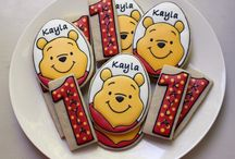 Winnie the Pooh party / by Louise Alves