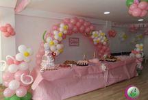 Decoración de baby shower rosa / Decoración con globos en rosado y letrero
