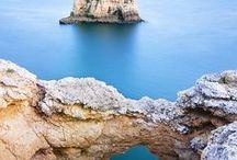 Tesouros do Algarve - Portugal / A diversidade da Natureza é, definitivamente, uma das maiores riquezas do Algarve.  Considerado um dos melhores destinos de férias da Europa, o Algarve possui praias magníficas e um clima abençoado. Conheça os seus hábitos seculares e as suas tradições ainda vivas em: www.asenhoradomonte.com