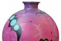 Vazen beschilderd