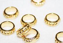 Piezas metálicas doradas / Encontraras más en nuestra TIENDA ONLINE www.unlugarenelmundobypaula.com