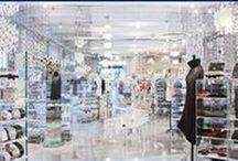 corso como 10 / Acrylic  furnishing and ideas produced for Carla Sozzani 10 Corso Como Milan. A multifunctional space, a meeting place, a union of culture and commerce. http://www.eldoradosas.it/progetti-plexiglass-su-misura-large/corso-como-10.html